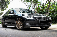 BMW 5 (F10, F11) на Дисках VOSSEN VFS2