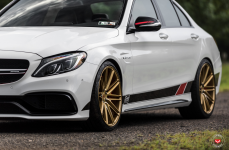 Mercedes C63 на дисках Vossen Forged VPS-307