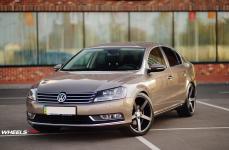 VW Passat на дисках Vossen CV3