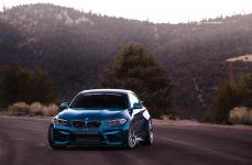 BMW M2 на дисках Ferrada FR2
