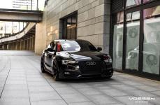 Audi S5 на дисках Vossen CV3-R