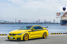 BMW M4 на дисках Rohana RFX5 Custom Gold