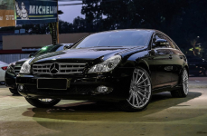 Mercedes CLS-Class (C219) на дисках VOSSEN VFS2