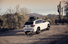 Jeep Grand Cherokee на дисках Black Rhino Mozambique