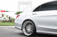 Mercedes S63 на дисках ADV15 M.V2 CS Series