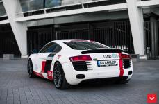 Audi R8 на дисках VOSSEN VFS4