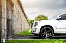 Cadillac Escalade на дисках DUB Baller