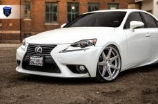 Lexus IS на дисках ROHANA RC7