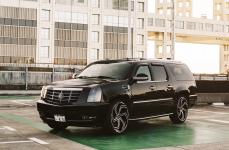 Cadillac Escalade на дисках LEXANI SWIFT