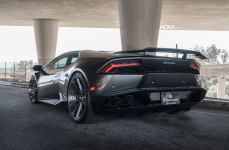 Lamborghini Huracan LP610 на дисках ADV10 M.V2 CS Series