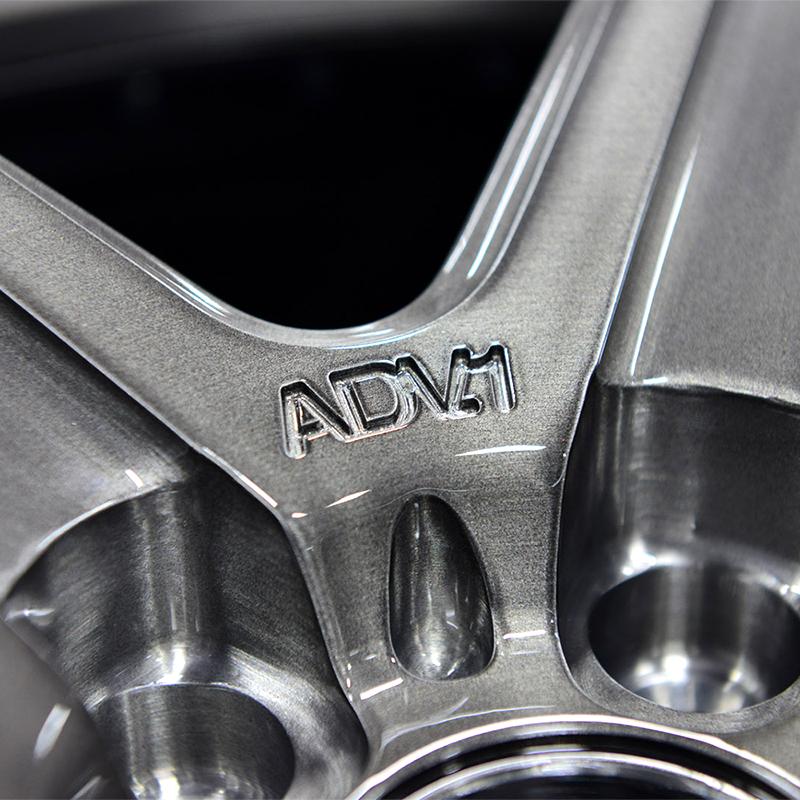 ADV.1 5 M.V1-SL Custom