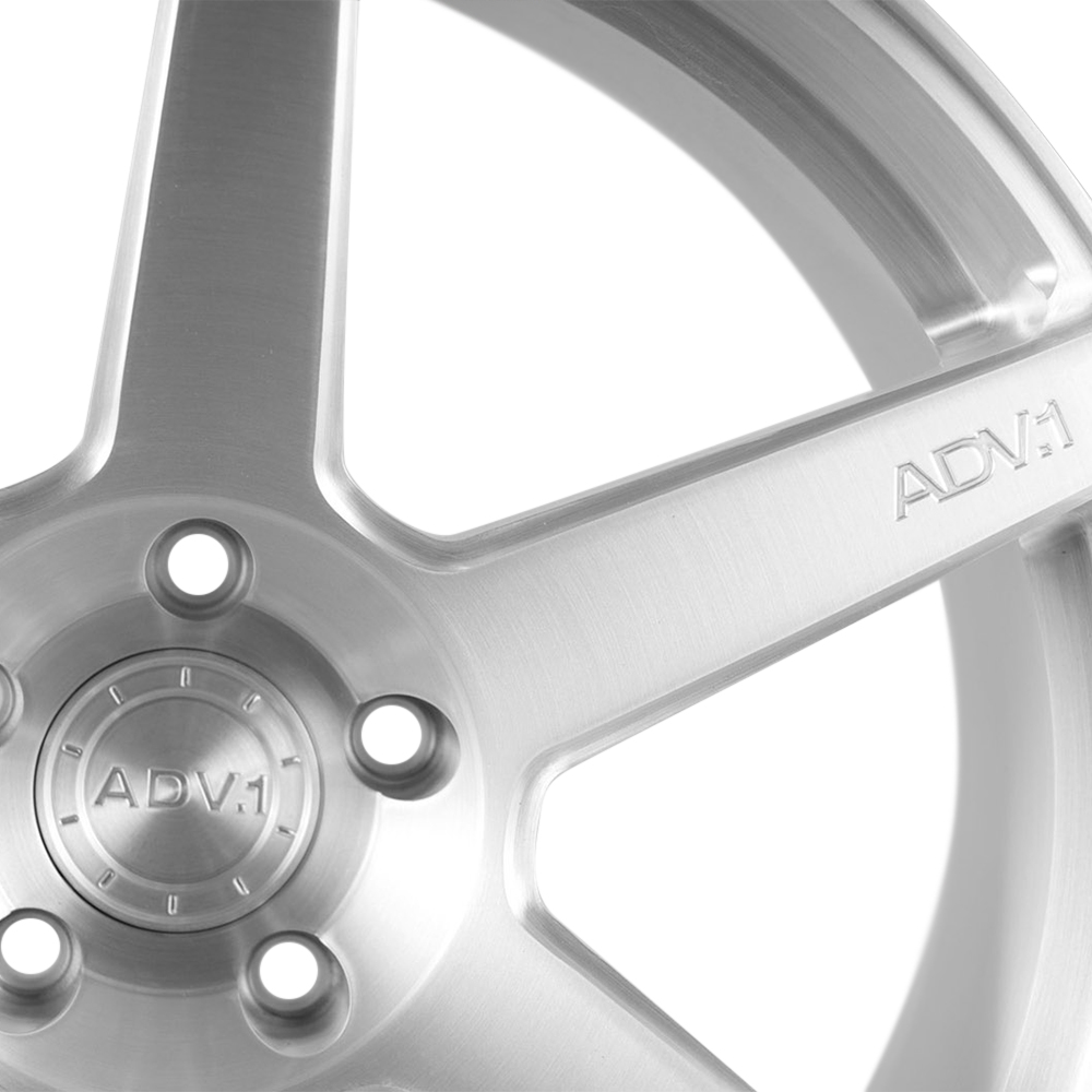 ADV.1 6 M.V1 Custom